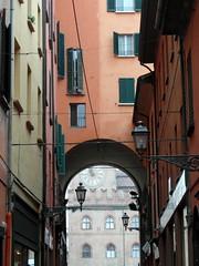 bologna clock perspective (kexi) Tags: bologna bolonia italy europe vertical arch clock windows hccity samsung wb690 october 2015 instantfave