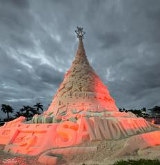 Sandi the Christmas Tree [Explored] (srotag1973) Tags: christmas tree sand sandi holiday west palm beach clouds cloud red florida longexposure