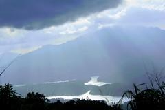 Hola - Sri Lanka (cattan2011) Tags: sunset ray mountains mountainscape waterscape travelblogger traveltuesday travel natureperfection naturephotography nature srilanka landscapephotography landscape