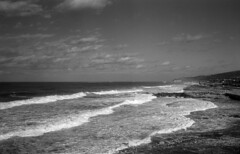 exakta_vx_ilford_paf_f_50_shot_as_100_pull_developed_in_r09_5_min_15_celcius_white_filter_009 (avitalnatanson) Tags: ilford r09 exakta sea waves storm winter filter outdoors nature