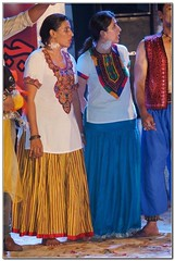 Performers dressed in Sindhi Gajj Paro from the district of Tharparker (GlobalCitizen2011) Tags: sindh sind sindhi gajj paro gajjparo gajju sindhigajj rajasthan thar tharparker moenjodaro mohanjodaro mohenjodaro mohenjo clothing clothes attire cutlure day culture karachi clifton indian immigrants muhajir bihar