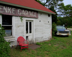 Door County, WI (quirkyjazz) Tags: wisconsin roadside doorcounty eyecatchers gusklenkegarage roadsidephotoop rustyoldtruckchevrolet