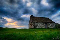 Maison de garde de Penn Enez (Million-photo) Tags: sunset sky cloud house france brittany guard bretagne penn nuage finistere enez plouguerneau