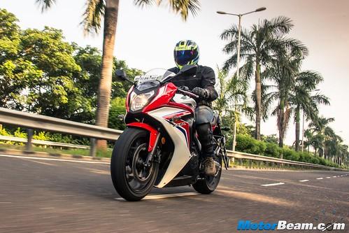 2015-Honda-CBR650R-03