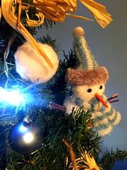 Le bonhomme (fourmi_7) Tags: fte nol dcoration sapin bonhomme boule cadeaux guirlandes