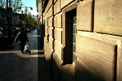Shadow street (Konica Big Mini BM-302) (stefankamert) Tags: stefan kamert film analog konica big mini bm302 fuji fujifilm color colour scan negative epson v550 sun street city shadow people balingen