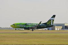 Alaska Airlines N607AS (V1 Aviation Photography) Tags: calgaryinternationalairport cyyc yyc boeing alaskaairlines n607as 737790wl 737700wl 737700 737790 b737