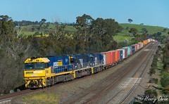 Perfect PacNat (Henrys Railway Gallery) Tags: nr80 nrclass 8240 8224 82class emd diesel clyde 6mc2 pacificnational pn pnstars fc freightcorp mc2 melbourne mathiesonssiding wandong kilmoreeast bomen junee marrar leeton griffith patricks containertrain emptycontainertrain freighttrain emptyfreighttrain
