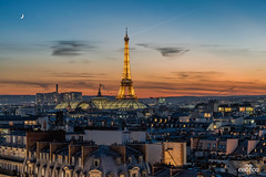 Allez, au dodo les Parisiens. (brenac photography) Tags: paris france sigma brenac brenacphotography eiffeltower eiffel sunset moon sky cityscape city capital europe romantic wow colors colorful bluehour blue hdr
