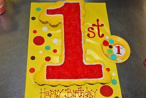 7-polkatots cupcake cakes