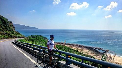 #墾丁#佳鵝公路#海#騎車#夏 #蓝天#白云#國境之南#屏東 #台灣#kenting#ocean#cycling #summer#blue#white#taiwan  #風吹沙