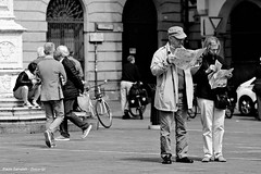 .. incomprensibile .. (click__2611 F p) (Ziozampi) Tags: bw bn bianco biancoenero white monocromo nero black blackandwhite street streetphotography citt urban persone fav explore