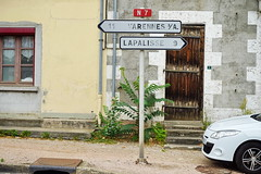 N7 Saint Gerand Le Puy 16.9.2016 4188 (orangevolvobusdriver4u) Tags: rn7 route national 7 routenational7 routebleue 2016 archiv2016 france frankreich n7 saintgerandlepuy stgerandlepuy sign schild wegweiser roadsign auvergne