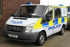 Lincolnshire Police Ford Transit Station Van (PFB-999) Tags: ford station cell police headquarters cage lincolnshire transit lincoln vehicle leds van hq beacons grilles workshops unit lincs constabulary lightbars rotators fx58kfl