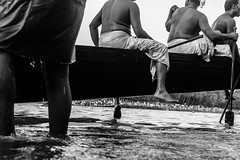 Oarsmen | Aranmula boat race 2016,Kerala. (vjisin) Tags: kerala india asia photostory nikon nikond3200 tradition nikonofficial documentary composition outdoor people indianheritage backwaters indianculture daylight iamnikon oarsman boatman aranmula men blackandwhite monochrome indianmen oarsmen