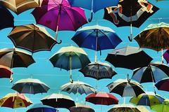 flying umbrellas (Roger_T) Tags: sky art kunst zurich himmel umbrellas regenschirme schirme kreis5 hardbrcke regenschirm ubrella 2015 kunstimffentlichenraum schirm sonnenschirme geroldstrasse flyingumbrellas fliegendeschirme sonyrx100iii fliegenderegenschirme regenschirmeimhimmel regenschirmezrich