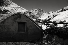 Mountain Huts (Alubhai) Tags: blackandwhite bw india mountains monochrome landscape canonef50mmf18 huts grains bro peaks himachalpradesh canoneos60d lahaulandspiti hillsandvalley alubhai spititour2015 leovillageroad