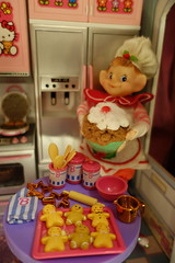 Santa's Elves are very Busy... (Primrose Princess) Tags: christmas pink cakes kitchen miniatures cupcakes baking hellokitty barbie kawaii kenner blythe dishes rement takara dollhouse gingerbreadmen blythedoll santaselves dollydreamland
