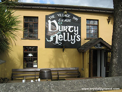 Durty Nelly's Village Inn, Bunratty, County Clare, Ireland, 2008 (Patty Mooney) Tags: ireland building pub 2008 bunratty countyclare durtynellys thevillageinn youngdublinerstour