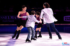 Nancy Kerrigan (with daughter Nicole and sons Matthew and Bryan)