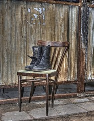 Det_14 (Staropramen1969) Tags: abandoned shoes trashcan russia dubna