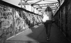 Milano (Valt3r Rav3ra - DEVOted!) Tags: lomo lomography lca lomolca analogico film 35mm ilforddelta400 bw biancoenero blackandwhite streetphotography street sovietcamera valt3r valterravera visioniurbane urbanvisions persone people russiancamera