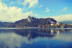 Bled (anvelvet) Tags: bled slovenia nature beautiful sigur ros castle forest lake sky