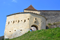 Rnov fort (1215), de stadspoort, Roemeni 2016 (wally nelemans) Tags: rnov fort fortress citadel stadspoort citygate 1215 roemeni romania 2016