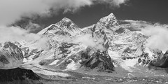 Everest from Kala Pattar B&W (Ian Slingsby) Tags: everest kalapattar nuptse blackandwhite ebctrek jaggedglobe