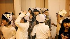 SAKURAKO - Elementary School Play. (MIKI Yoshihito. (#mikiyoshihito)) Tags: daughter sakurako 娘 さくらこ 櫻子 サクラコ 8歳1ヶ月 elementaryschoolplay elementary schoolplay 小学校 学習発表会 学芸会 2年生 アレクサンダとぜんまいねずみ