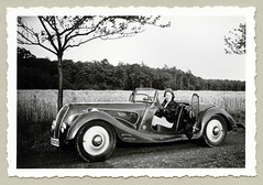 DKW F5 Ihle Roadster (Raymondx1) Tags: vintage classic black white blackwhite sw photo foto photography automobile car cars motor vehicle antique auto dkw dkwroadster roadster dkwf5 ihle karosserieihle 1930s thirties fashion dress fur furjacket