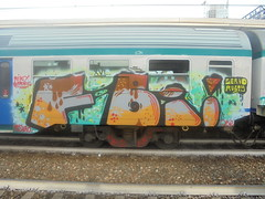 010 (en-ri) Tags: fbi servo rusty crew marrone uao mls qbr niki bonnie arancione train torino graffiti writing grigio nero