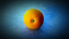 Waiting! (Haytham M.) Tags: kitchen fruit minimalism orrange