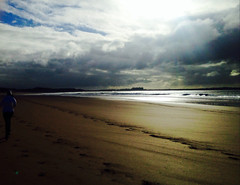 A little ray of Irish sunshine! (evhartigan) Tags: ocean autumn ireland sunshine seaside westclare atlantic jogging doonbeg beachwalks