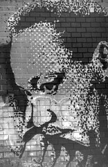Martin Luther King (vincdubeaujo) Tags: wall graffiti king martin drawing tag picture dessin mur luther