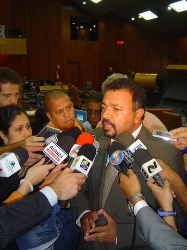 06-07-12 Debate 730 Hermes Correa 016