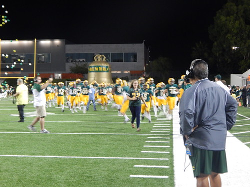 """Edison vs. Fountain Valley 10/31/15 • <a style=""""font-size:0.8em;"""" href=""""http://www.flickr.com/photos/134567481@N04/22619446212/"""" target=""""_blank"""">View on Flickr</a>"""