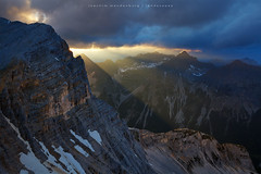 Last Rays Of Light (wende60) Tags: mountains sunset light rays evening wild outdoor rocks alps clouds dark karwendel austria tyrol