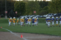 1316 (bubbaonthenet) Tags: 09292016 game stma community 4th grade youth football team 2 5 education tackle 4 blue vs 3 gold