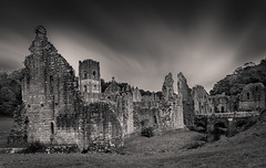 Fountains Abbey (Tom Strawn) Tags: fountains abbey nikon d750 24120f4 yorkshire ruins