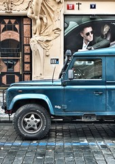 Prag Fashion (dirklie65) Tags: tr door street praha prague werbung fashion mode blau blue jeep car auto mann man