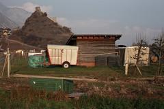 Saillon (bulbocode909) Tags: valais suisse saillon collines tours vans vert vergers rouge brume automne villages maisons vignes
