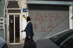 Consciousness of guilt. Tel Aviv, August 2016. (joelschalit) Tags: israel palestine occupation exile diaspora ethniccleansing apartheid activism religion street ricohgr telaviv antifa bds graffiti haredi judaism ultraorthodox