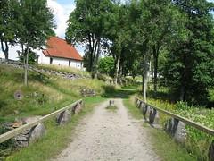 Stenbro vid Hyssna gamla kyrka 2010 (biketommy999) Tags: vstragtaland hyssna kyrka church 2010 stenbro bro bridge kulturminne biketommy biketommy999 sverige sweden