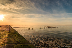 Sonnenuntergang Harlesiel (Re Ca) Tags: norddeutschland harlesiel buhne sunset sonnenuntergang canon eos70d sigma1020mm herbst autumn natur nature landscape landschaft seascape nordsee