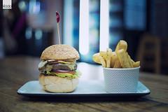 "B for ""Burger"" (happykiddo) Tags: happykiddo nikon d800 carl zeiss zf2 makro 50mm australia cairns burger food 澳洲 manual focus"