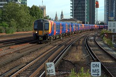 450022 (40011 MAURETANIA) Tags: vauxhall southwesttrains southwest swt blue red class 450 455 456 444 458 159 waterloo train unit emu electricmultipleunit parliament housesofparliament