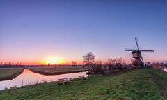 Sunset Kinderdijk (wendyderoover) Tags: molen mill kinderdijk landschap landscape sunset zonsondergang mooielucht sky