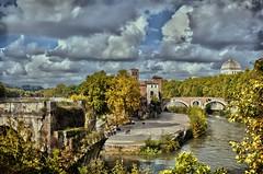 Isola Tiberina - Roma (Arnzazu Vel) Tags: isolatiberina roma nature naturaleza fiume river rio ponte bridge puente nubes clouds nubi italia rome