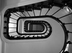 DSC_2334_2 (eric.riflet) Tags: staircase blackandwhite noiretblanc bnw escalier hauteur touraine haussmannien indreetloire loirevalley valledelaloire immeuble